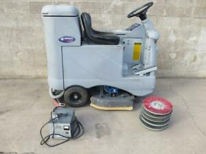 Advance Advenger 2810 d 28 Ride On Riding Electric Floor Scrubber Tennant