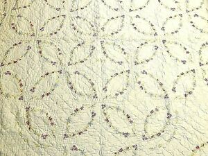 Hand Stitched Floral Double Wedding Ring Cotton Scalloped Edge Quilt 84 X66 Vtg