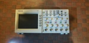 Tektronix Tds2014 Digital Oscilloscope 4 Channel Probes And Case