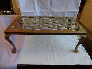 Large Antique Brass Ornate Kettle Plant Trivet Stand Height 16 X 41 X 23 Cm