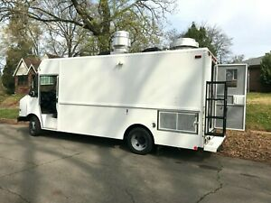 16ft Food Truck 2005 Chevy Workhorse P42 4 8l V8 Gas 29k Miles 7 w X 7 h Int
