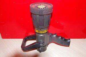 Akron Assault Nozzle Style 4820 Automatic 100 Psi Max 14 Bar Max 95 Gpm