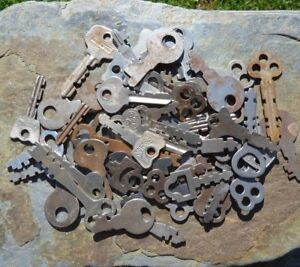 51 Antique Old Vintage Flat Padlock Keys Many Makers