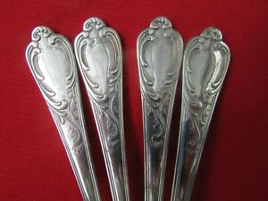 Versailles Pattern 5 Piece Place Set By Wallace Silversmiths Silver Plate Korea