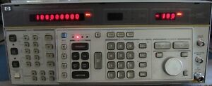 Hp Agilent 8662a Synthesized Signal Generator W Opt 003 Nist Calibrated