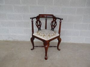 Thomasville Chippendale Style Corner Accent Chair