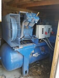 Quincy Industrial Sized Air Compressor Qt15dt1000073