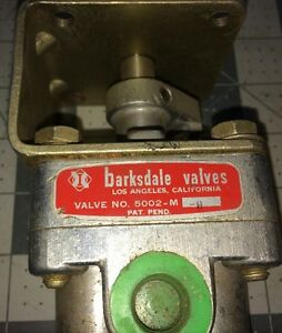 Barksdale Pneumatic Directional Control Valve 5002 m