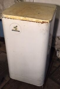Vintage Monitor 65 Portable Electric Washing Machine Wringer