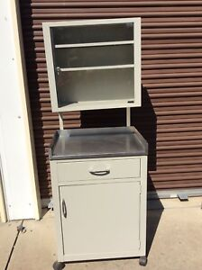 Vintage Doctors Metal Medical 62 Tall Cabinet On Wheels Very Good