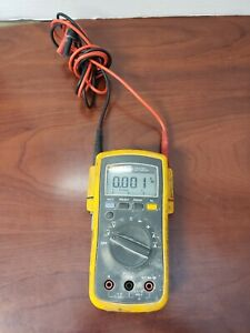 Fluke 112 True Rms Multimeter C y