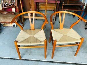 Pair Of Beautiful Mid Century Modern Wishbone Walnut Dining Room Chairs L K