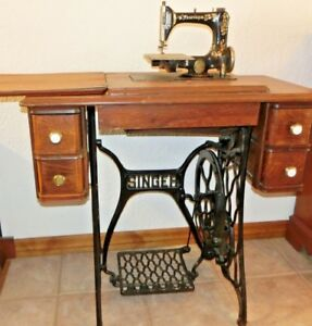 Singer Chain Stitch Sewing Machine Model 24 With Cast Iron Treadle Table 1910