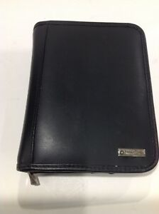 Franklin Covey Compact Black Leather Zip Around 1 3 8 Inch Rings Excellent