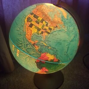Scan Globe A S Illuminated Earth Denmark 1985 Gb Edition Karl F Harig