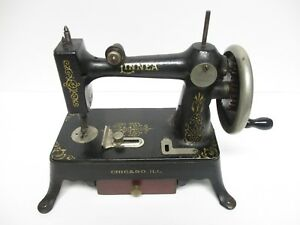 Linnea Sewing Machine Hand Crank Cast Iron 1920 S Ships Free