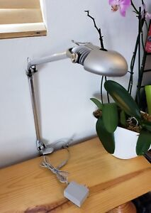 Humanscale Led Elements 790 Work table Lamp Light 90w Equivalent Silver Finish