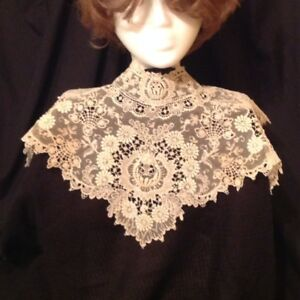 Antique Lace Bertha Collar 1940s Heirloom Lace Exquisite
