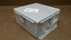 Nvent Hoffman Junction Box Continuous Hinge W clamps 8 X 8 X 4 A808chnf