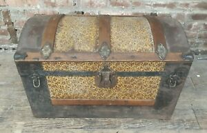 Antique Smaller Size Dome Top Steamer Trunk W Insert Pretty Floral Inlay Nice