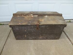 Vintage Antique Tradesman S Trunk Wood Tool Chest Late 1800s Or Early 1900s