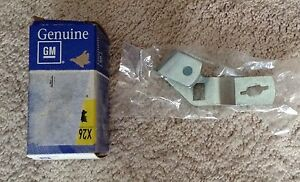 Nos Gm Oldsmobile 1973 1977 Console Automatic Shifter Selector Bracket
