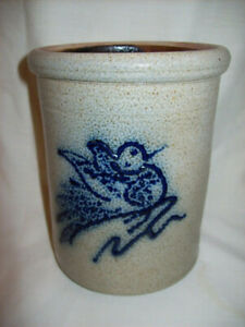 Red Wing Stoneware Small Crock Blue Bird Design Stamped On Back