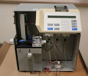 Ysi 2700 d Biochemistry Analyzer Powers On