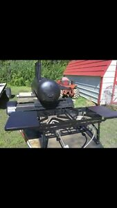 Barbeque Grill And Smoker With Trailer