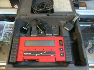 Snap on Mt2500 Diagnostic Vehicle Scanner In Case W Cartridge Cables