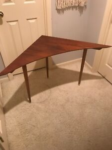 Mid Century Modern Corner Or Curved Sofa Table