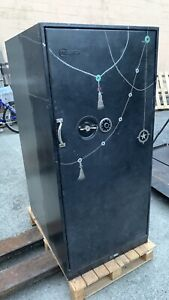 Mosler Model 11 F1 d C Rated Drawer Safe With Combination
