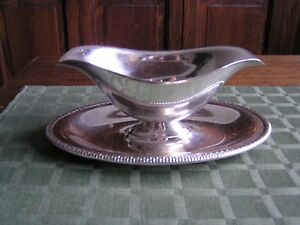 Vintage Wm Rogers Silverplate Double Spout Sauce Gravy Boat 4313 Attached Plate