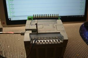 Plc 1762 l24bwa Micrologix 1200 With Simulator And Cable