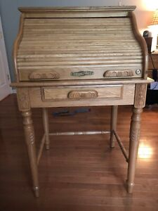 Beautiful Oak Roll Top Desk With Original Chair