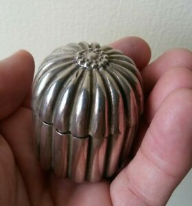 Vintage Sterling Silver Pill Jewelry Box Ring Box 1 3 4 Unusual Flower Design