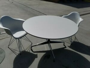 Herman Miller Eames Eiffel Tower Arm Chairs 2 And Table White