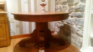 Oak Top Round Dining Room Table
