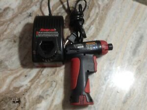 Snap On Cts561cl Cordless 1 4 Screw Gun Driver 7 2v Charger Battery Ctc572 1a