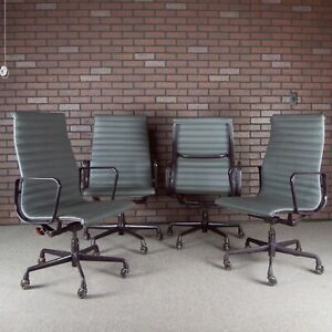 Eames Aluminum Group Executive Office Chair Set For Herman Miller Gray