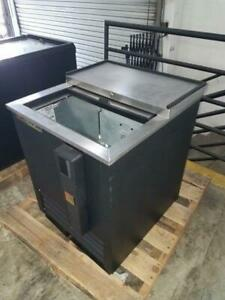 True Td 24 7 24 Forced Air Bottle Cooler With Lid Lock Pre owned