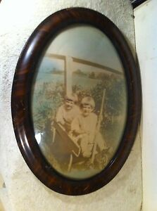 Vtg Oval Wood Frame Convex Bubble Glass Kids In Wagon Country Farm Portrait
