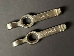 Pair Of Snap On Cj812a Jaw Pullers