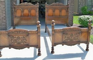Pair Of Antique Twin Beds Turn Of Century Oak Ornate Great Chicago History