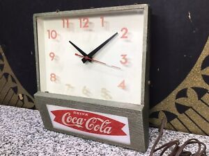 Vintage Working Original Coca Cola Coke Advertising Fishtail Clock Light Sign