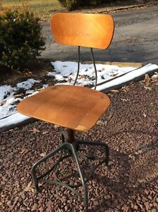 Vtg Toledo Wood Metal Industrial Drafting Stool Adjusts 16 To 24 Very Good