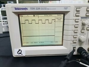 Tektronix_tds220 100 Mhz 2 Channel Digital Oscilloscope 7073