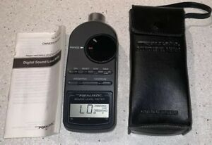 Digital Sound Level Meter Realistic Radio Shack 33 2055 W Case