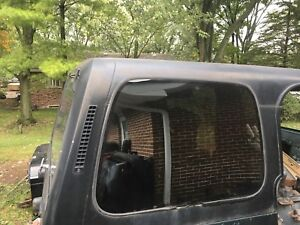 Jeep Wrangler Yj Early Version Factory Hard Top Local Pickup Only 049