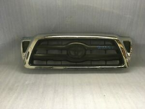 2005 2010 Toyota Tacoma Front Bumper Grille Oem